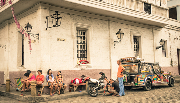 12-Tips-for-Living-in-Manila,-Philippines