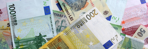 Managing Currency Risk - As an American Abroad, In What Currency Should I Save and Invest?