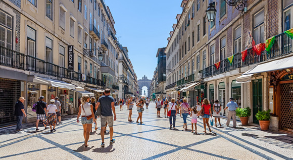 Expats in Portugal - 6 Important Tips about Health Insurance for Expats in Portugal