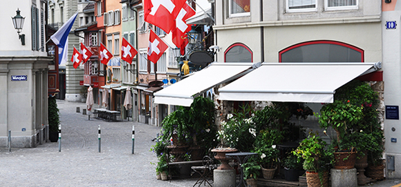 Expats in Switzerland - 10 Tips for Living in Switzerland