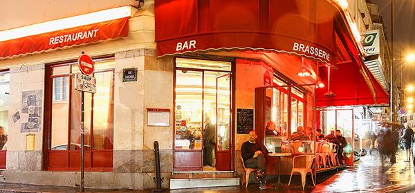Café Des Deux Moulins is featured in