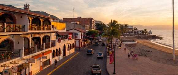 Expat Mexico - Streetwalking: A Popular Pastime in Puerto Vallarta, Mexico