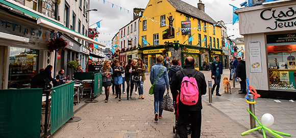 Expats in Ireland - Pros and Cons of Living in Ireland