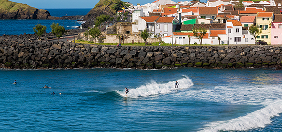 Moving Abroad - Best Places to Live Overseas if You Love to Surf