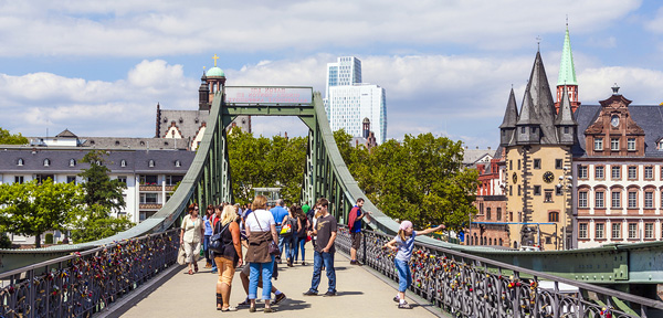 Expats in Germany - 5 Tips for Living in Frankfurt