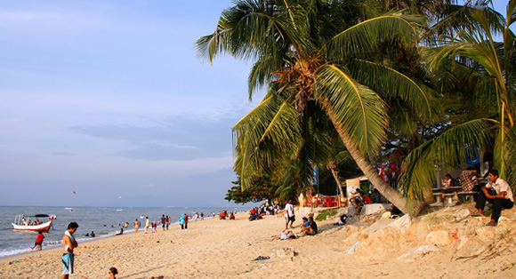 Retiring Abroad - Top 5 Reasons to Retire in Penang, Malaysia
