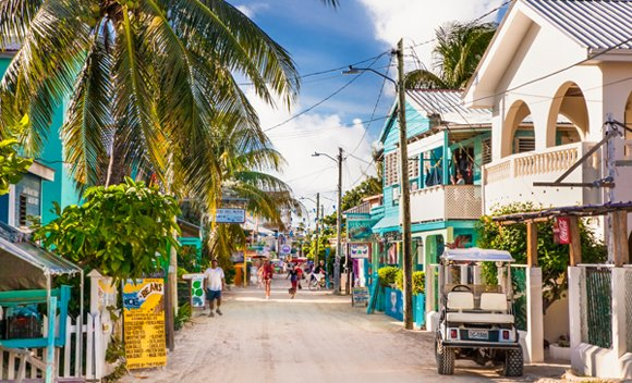 Expats in Belize - Pros and Cons of Living in Belize